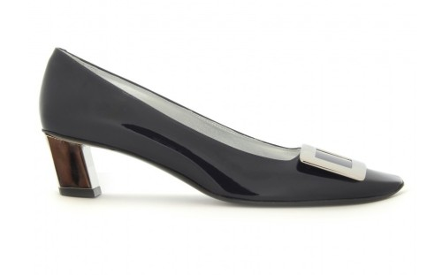 decollete belle vivier patent pump • roger vivier  can't get enough of this one…that curve…