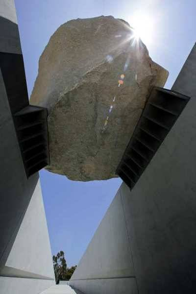 L.A.C.M.A, Michael Heizer's Levitated Mass
