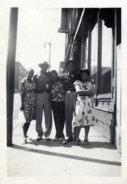 Outside Bill & Dee's Tap Room 1950's [Kyle Family Album] ©WaheedPhotoArchive, 2012