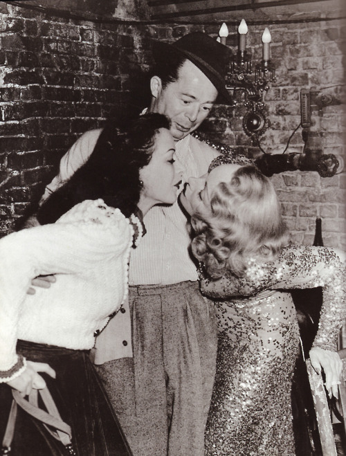 suicideblonde:  Hedy Lamarr and Marlene Dietrich with Billy Wilder in 1948
