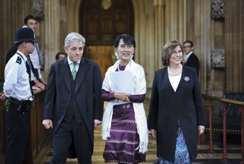 Aung San Suu Kyi is cheered in Central Lobby on way to Westminster Hall (via UK Parliament)