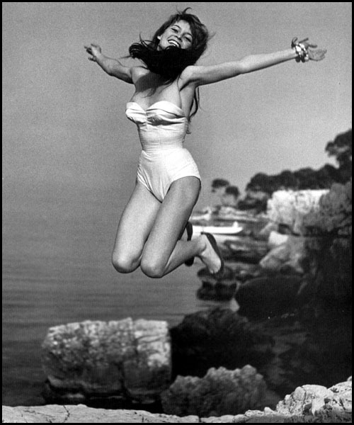 iammitto:  Oh Bridgitte, tu es très belle. Bridgitte Bardot in 1951 From Philippe Halsman's Jump Book. -Mitto.