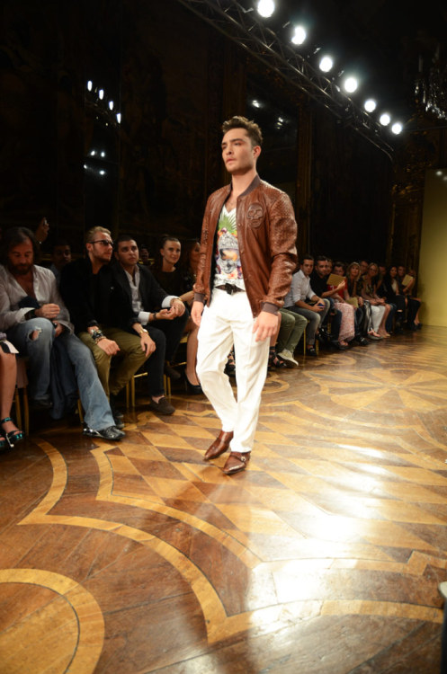 Ed Westwick, model for Philipp Plein fashion show.