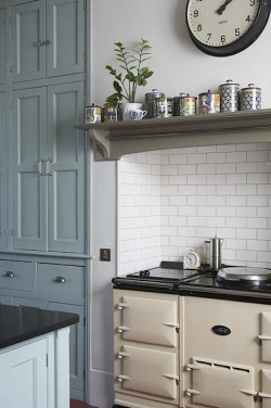 hoodoothatvoodoo:  Cornish Kitchen Designed by Mat Davies