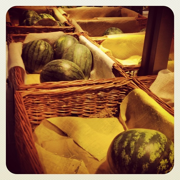 Sent of Italy #Eataly #italy #instalife #iphone #instamood #dibe #watermelon #classic #eat  (Scattata con Instagram)