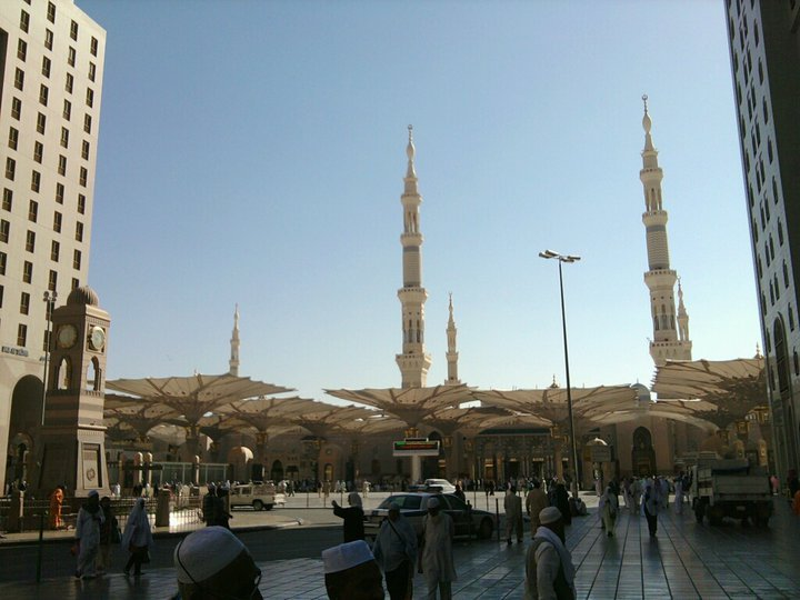 "sakticleaver:  Al-Masjid an-Nabawi, ""Mosque of the Prophet"".( Medina, Saudi Arabia)"