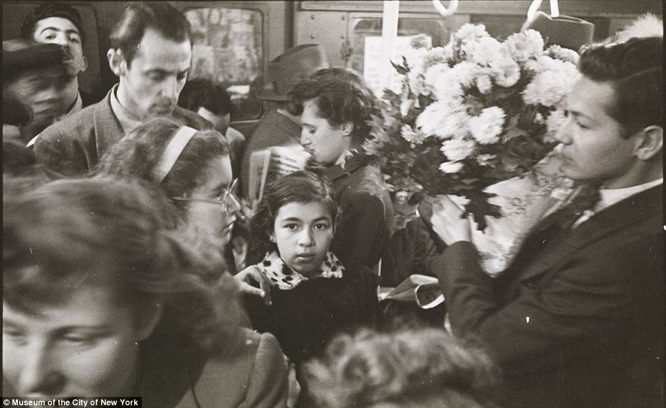 A YOUNG STANLEY KUBRICK CAPTURES IMAGES OF THE NEW YORK SUBWAY (1940s)