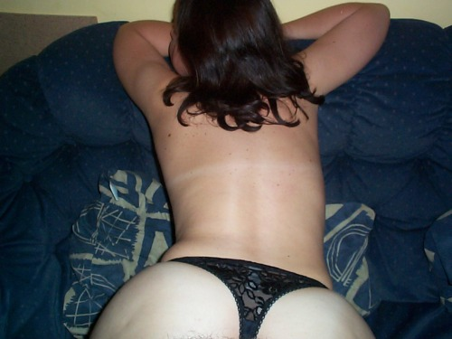 amateur-denise:  Denise from behind  I want to stroke and kiss all over your back then slide those down and …