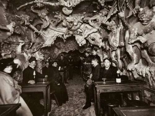 "soul-service:  ""Hell's Cafe"", Paris 1800's"
