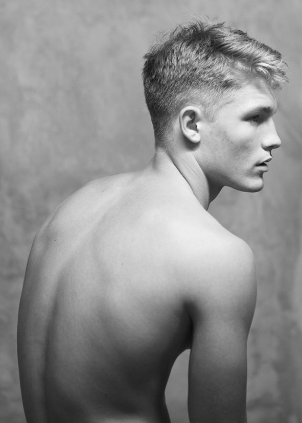 strangeforeignbeauty:  02 Harry Goodwins by Cecilie Harris [ b&w ]