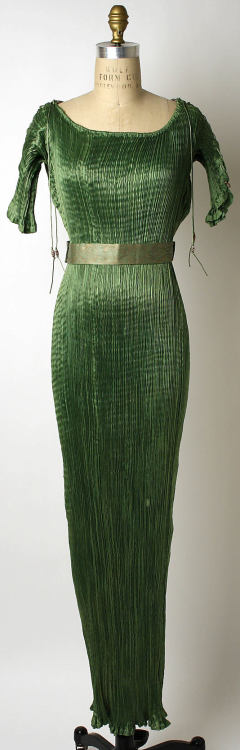 Dress Mariano Fortuny, 1920 The Metropolitan Museum of Art
