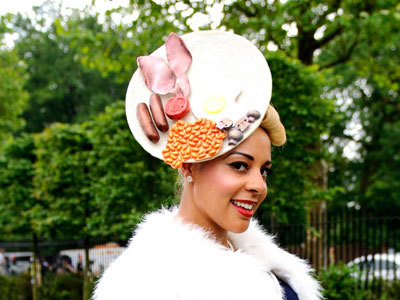 Yesssss. (via All The Crazy Hats At Britain's Royal Ascot All The Crazy Hats At Britain's Royal Ascot – The Frisky)