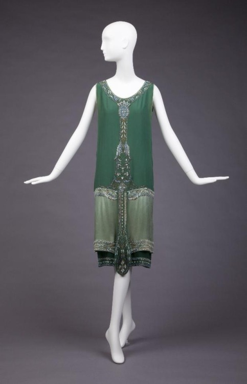 omgthatdress:  Dress Callot Soeur, 1925 The Goldstein Museum of Design  Este es mi vestido…