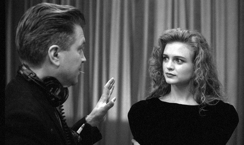 David Lynch and Heather Graham on the set of Twin Peaks