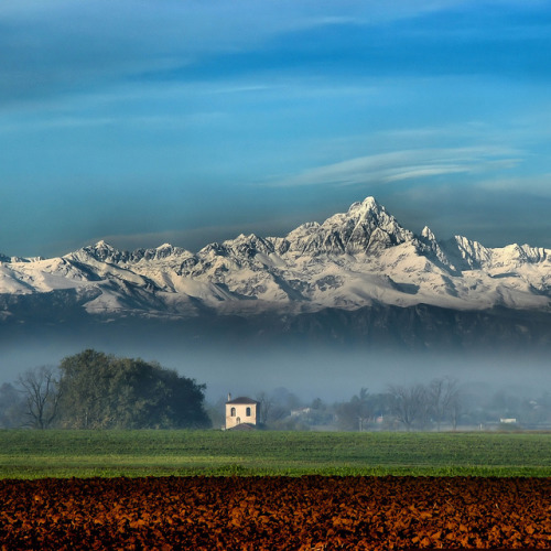 1wantchange:  Piedmont, Italy by rinogas