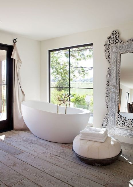 myidealhome:  bath tube envy (via Interior. / beautiful bath tub.)