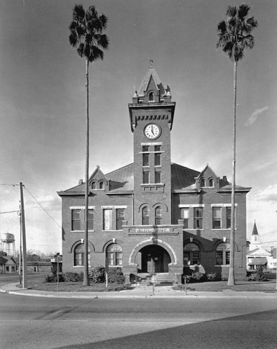 Old Bradford County Courthouse: Starke, Florida by State Library and Archives of Florida on Flickr.
