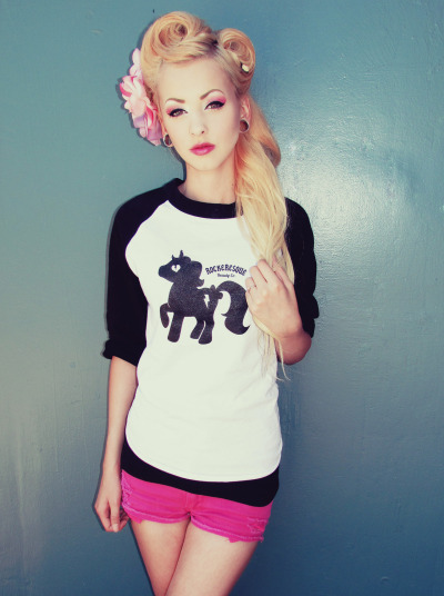 WWW.ROCKERESQUE.COM Modeling the super cute rockeresque baseball tee with the adorable Unicorn. Eyeshadows used Platinum blonde, Unicorn birthday cake(up for sale now in a kit) & xoxo. HAIR MUA: Me ♥