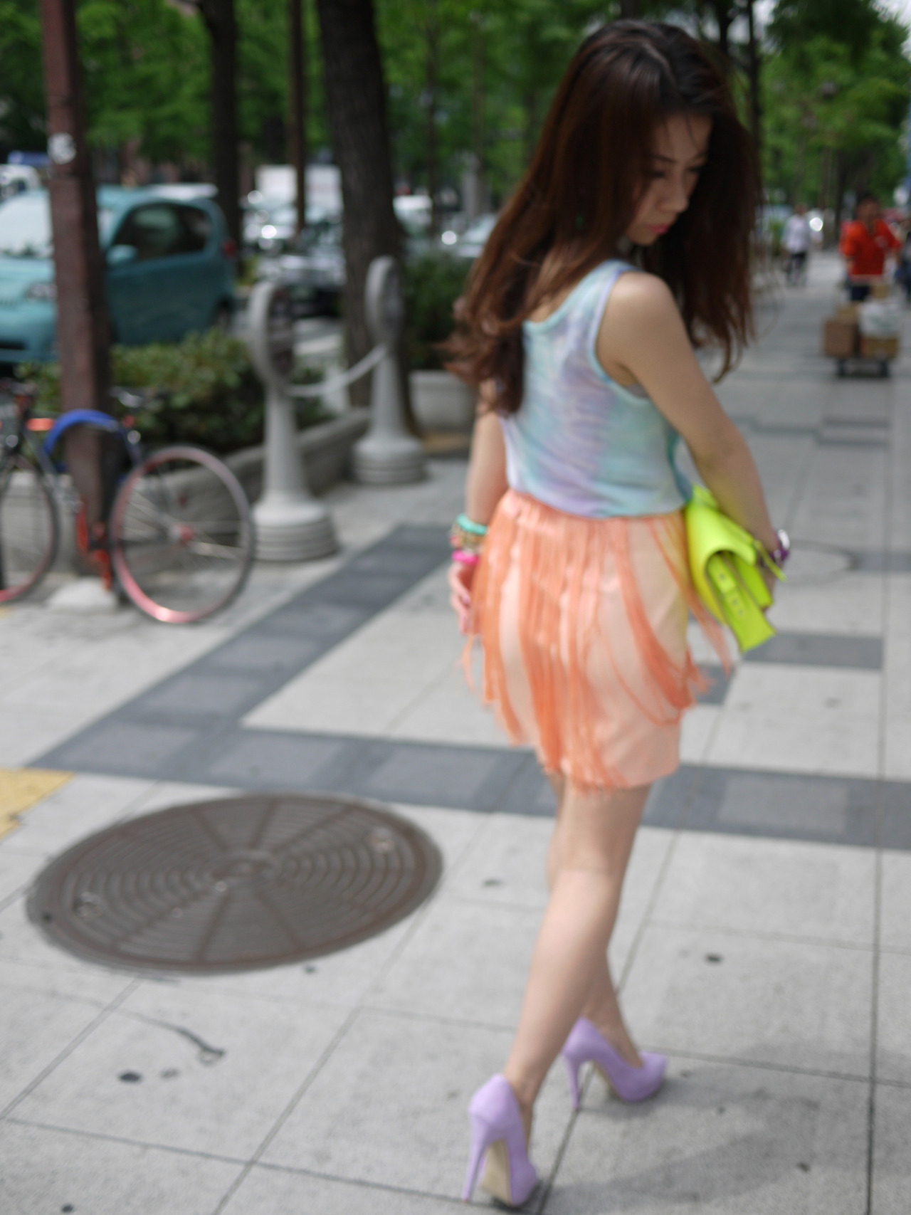 tumblr m66kvbV0p31rpg1vpo2 1280 Summer . Fringe. Colorful    Another day on the street at Osaka, Japan…