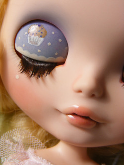 """Muffin aux Myrtilles"" Custom Blythe by Esthy on Flickr"