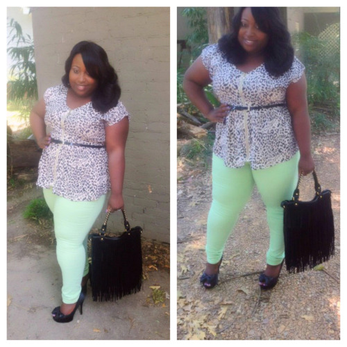 Curvy girls can most definitely rock colored jeans. Us size 14/16 www.style4curves.blogspot.com