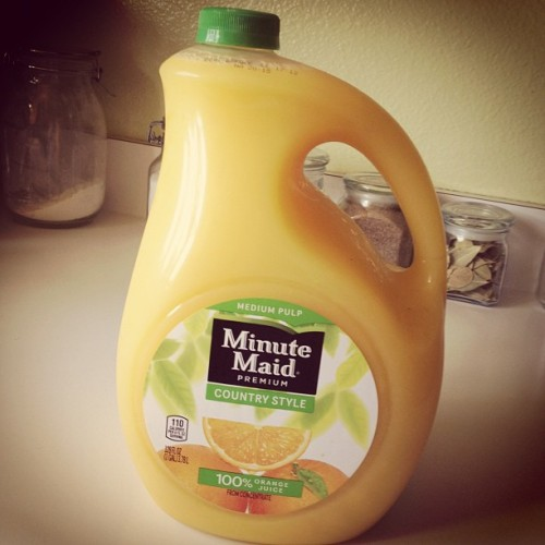 Gallon of orange juice 😍🍊💛 #minutemaid #orangejuice #inlove (Taken with Instagram at The Palace 👑)