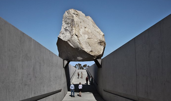 Levitated Mass by artist Michael Heizer at LACMA (via gottlund)