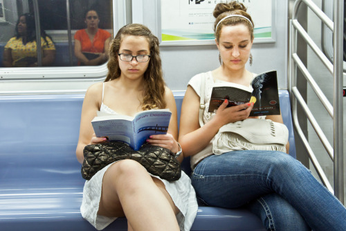 "unypl:  on the left she's reading ""Dreamland,"" by Sarah Dessen. on the right she's reading ""Looking for Alaska,"" by John Green. Read Dreamland  I Read Looking for Alaska"