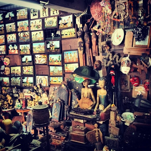 #java #antique #market (Taken with Instagram at Pasar Triwindu (Pasar Windujenar))