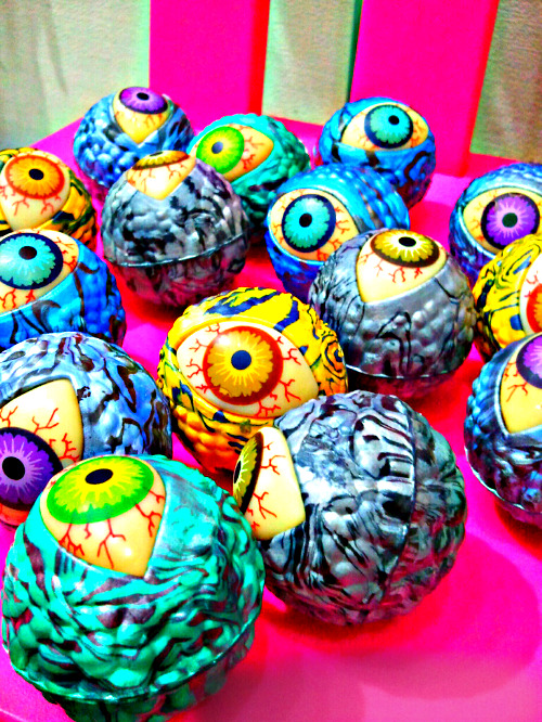 refreshmenttoy:  eye eye eyes! Taken with PicsArt.com Photo Studio.