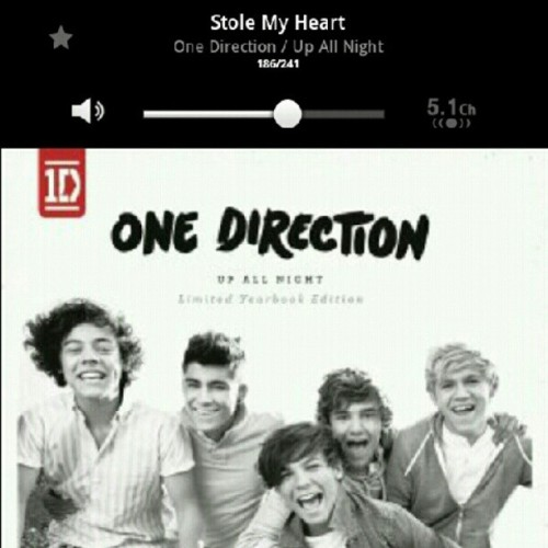 I Love This Song #song #onedirection #harrystyles #zaynmalik #niallhoran #louistomlinson #liampayne #music #tune #amazing #stole #heart #love #hipster #tumblr (Tomada con Instagram)