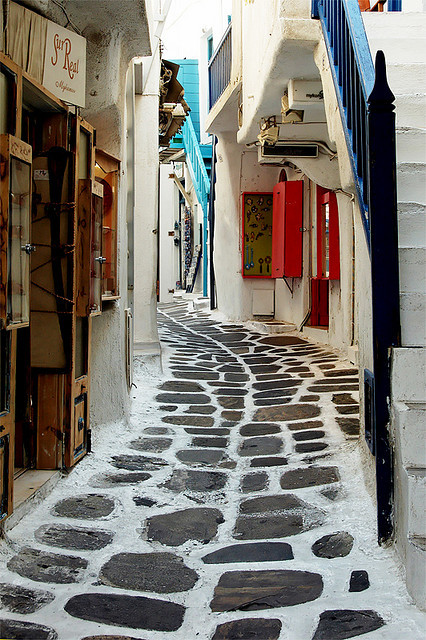 travelingcolors:  Mykonos | Greece by Georges_M  gezesim geldi çok fena…