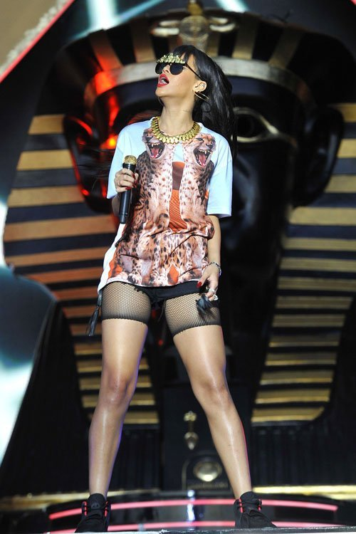 Wardrobe Query: Rihanna's BBC Radio 1 Hackney Weekend Concert Katie Eary T-Shirt