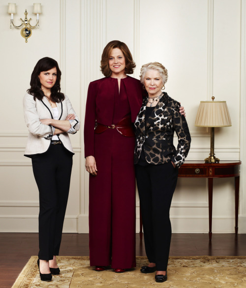2012 Political Animals Carla Gugino, Sigourney Weaver and Ellen Burstyn Political Animals premieres July 15 on USA! [via Carla Gugino LiveJournal Comm]