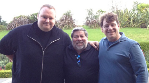 "Kim DotCom adds Apple co-founder Steve Wozniak to list of supporters In an emailed interview with CNET, Steve ""Woz"" Wozniak confirmed that he's a supporter of MegaUpload CEO Kim Dotcom. Wozniak blasted federal prosecutors, telling CNET it is ""unfair that the United States will allow [DotCom] living expenses out of his frozen assets but not give him any legal fees."" Woz is no fan piracy, and told the site in no uncertain terms that he believes it's wrong, ""So is driving over the speed limit,"" he said, adding, ""But don't let that halt the progress of the digital age."" (Photo from and hat tip to Gizmodo) source Follow ShortFormBlog: Tumblr, Twitter, Facebook"