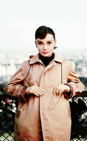 vintagegal:  Audrey Hepburn on location for the shooting of Funny Face, 1956