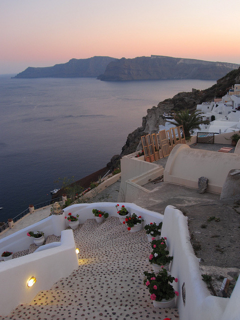 imperfect-ions:  I wanna go to Greece. so bad :(