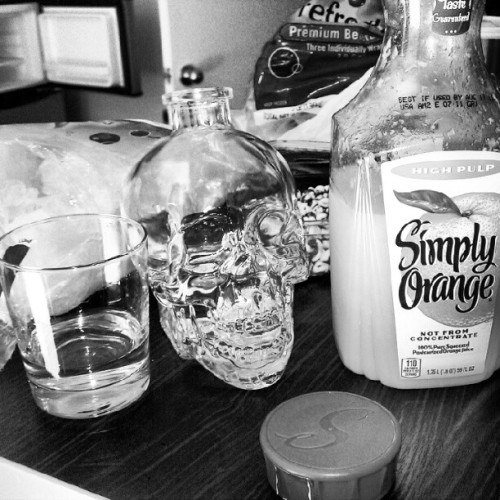 Monday #madness #photoadayjune  #Orange juice #vodka #screwdriver #skull @henrystrange  (Taken with Instagram)