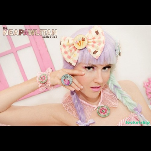 Get your NeaPAWlitan bows! www.locketship.com Photo/MUA: @looooo3 Model: @adaladylovelace Hair: @badkidbebe #locketship #lookbook #jewelry #ring #bracelet #necklace #pendant #handmade #cute #kawaii #pretty #beautiful #lace #pink #hair #kitty #cat #meow (Taken with Instagram)