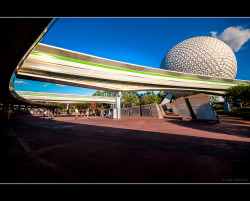Super Stretched Monorail - Epcot by Adam Hansen on Flickr.