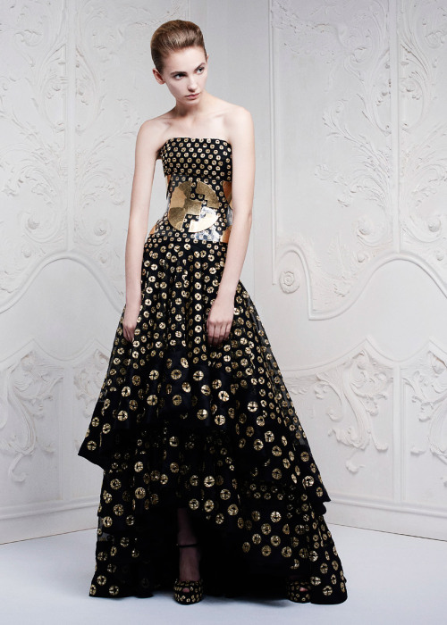 vogue:  Alexander McQueen Resort 2013 Photo: Courtesy of Alexander McQueen Go to Vogue.com for the full collection and review.