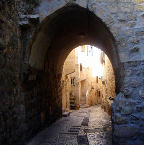 travelingcolors:  Pursuit of light, Jerusalem | Israel (by Dew Drop)