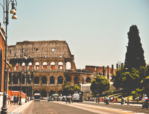 evilcookies:  Roma. by Jurriaan Vogel on Flickr.