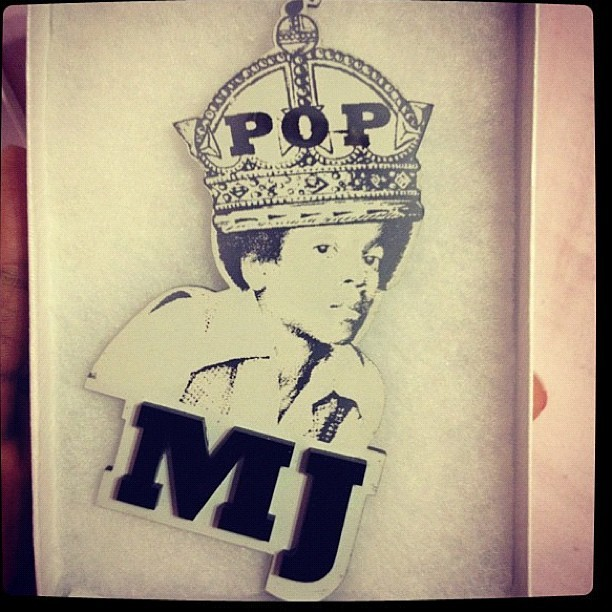 melodysblog:  We love u MJ!!! Special edition pin we made when he passed #melodyehsani #jewelry #michaeljackson #love (pic jacked from @ms_bkiddo) (Taken with Instagram)