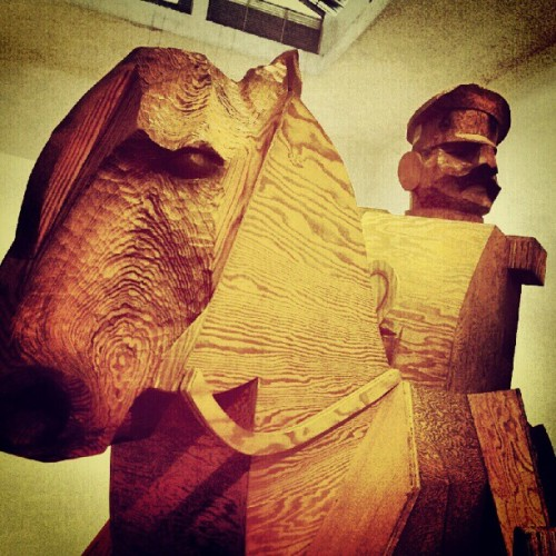kakegarcia:  #General #Plywood #Caballo | #Horse | #Caracas #Venezuela | #Foto #Photo (Tomada con Instagram)