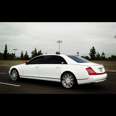 Platinum Style Limo #psl #maybach #hh #heavyhitters #forgiato #lionproductions  (Taken with Instagram)