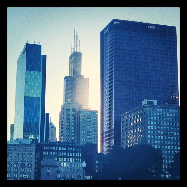 Roosevelt's Vertical Campus, Sears/Willis Tower, CNA Building. #chicago #chitecture  #igerschicago #skyscraper  (Taken with Instagram)