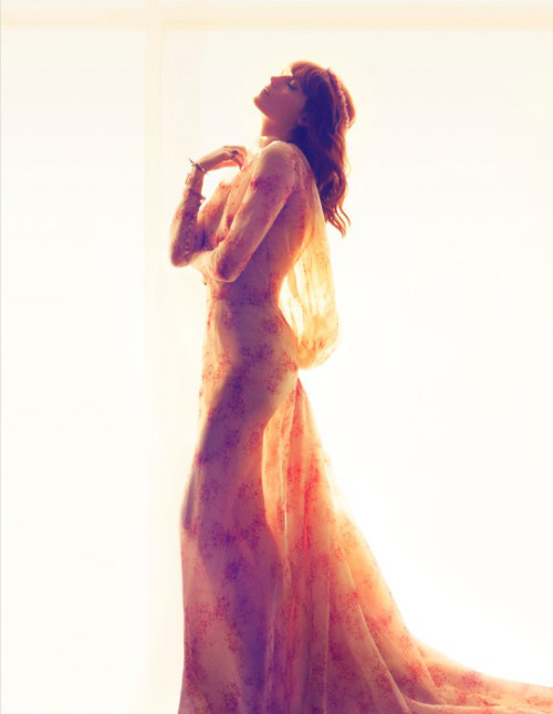suicideblonde:  Florence Welch photographed by Camilla Akrans for UK Harper's Bazaar, July 2012