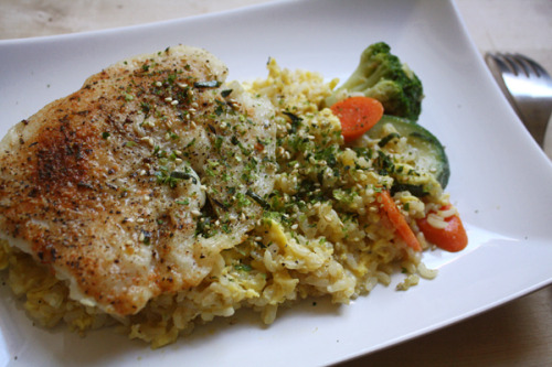 Broiled White FishSeasoned white fish, brown rice, eggs, veggies, Nori Komi Furikake rice seasoning, S&PSuper delicious, but I miss salmon!