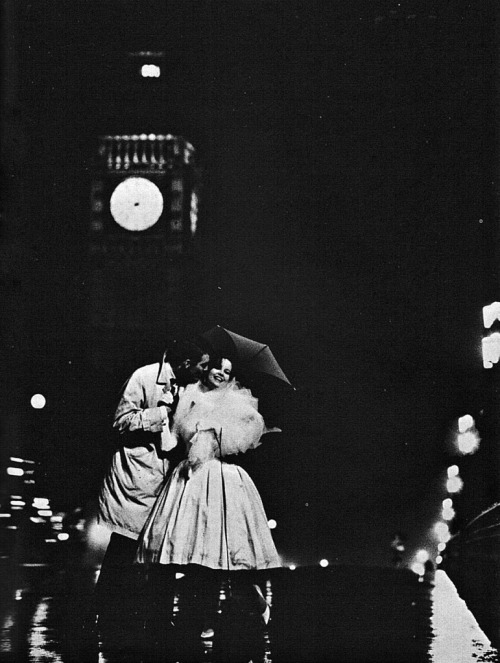 pluieandparapluies:  Photo par David Bailey et Peter Evans.